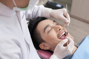 man learning about speciality dentistry